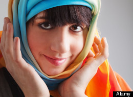 AMERICAN-FEMALE-CONVERTS-TO-ISLAM-large